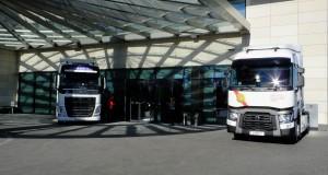 Volvo i Renault przed hotelem w ktorym odbywała się konferencja
