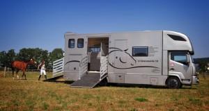 dickenherr-pferdetransporter-02