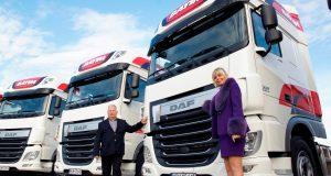 Pani Barbara Edelmuller-Generaux, właścicielka firmy Batim, która wraz z współwłaścicielem panem Januszem Rembilasem odbiera pojazd