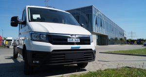 Pierwszy samochód demonstracyjny MAN TGE 3.180, dumnie prezentuje się w siedzibie firmy MAN Truck & Bus Polska w Wolicy.