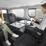 For leisure time and work: Standard swiveling seats in the second row enable a face-to-face environment for passengers in the new Opel Vivaro Life.