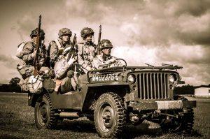 Willys MB był wprawdzie-czteroosobowy-ale-taki widok to była norma