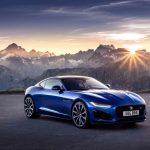 Nowy Jaguar F-TYPE: ikoniczny sportowy samochód o ponadczasowej stylistyce teraz o jeszcze bardziej wyrazistym i stanowczym charakterze.